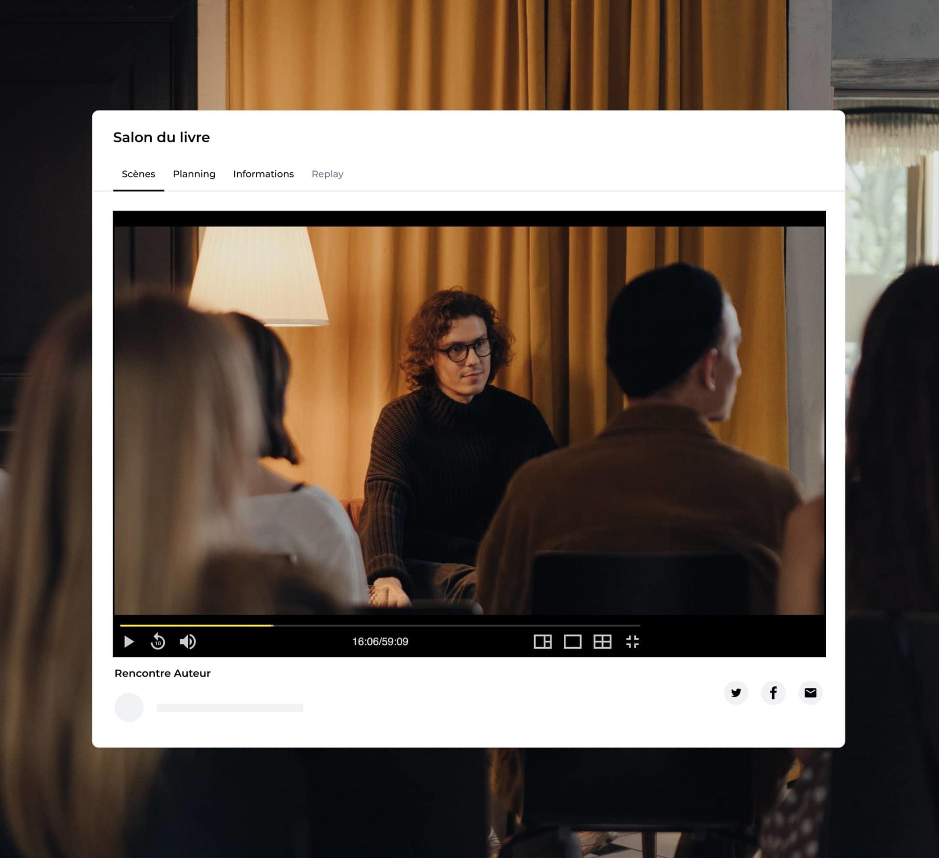 Écran d'un espace en ligne avec la diffusion d'un live streaming